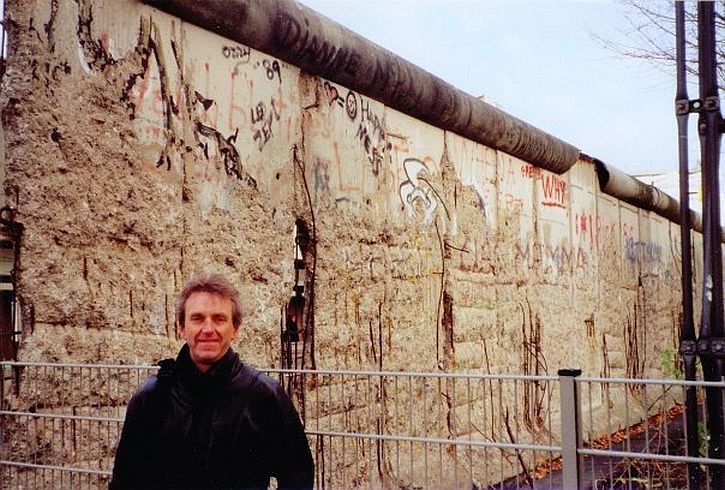 By the Wall 1999