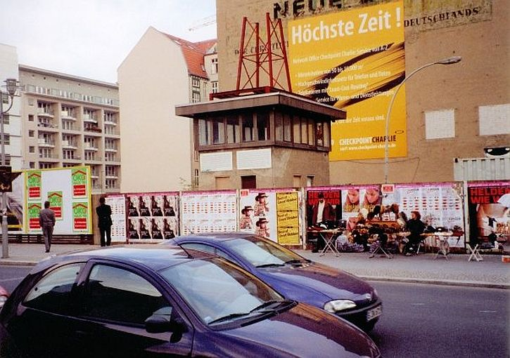 Checkpoint Charlie 1999