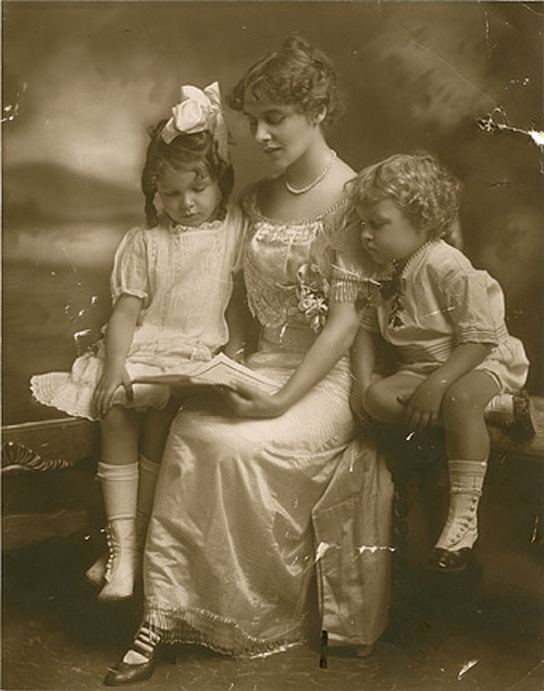 Rose Williams with Tennessee and their mother
