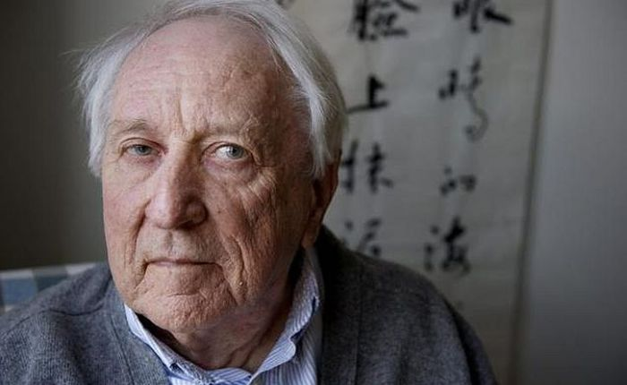 Tomas Tranströmer: It's O.K. to listen to the grey voice
