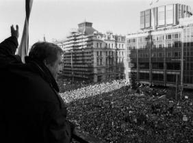 Vaclav Havel in Wenceslas Square in 1989