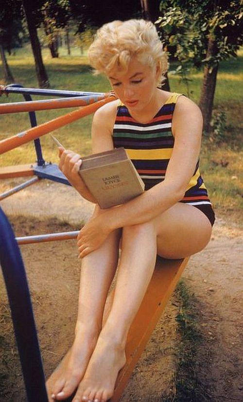 Eve Arnold Marilyn Monroe Reading Ulysses
