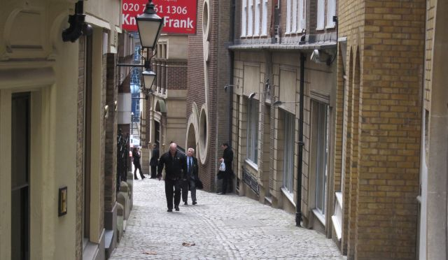 In Dickens footsteps (3): a walk through theCity