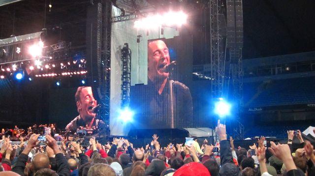 Bruce in Manchester: standing shoulder to shoulder in hardtimes