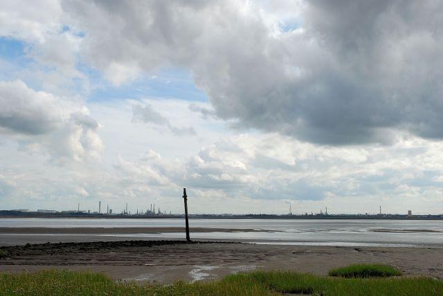 Oglet shore
