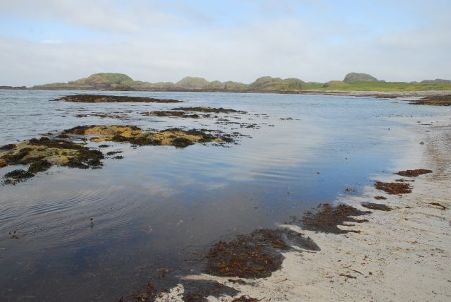 Across iona to the bay at the back of the ocean