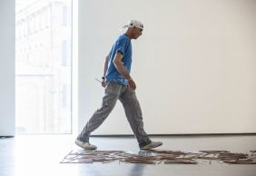 Richard Long installing Somerset Willow Line
