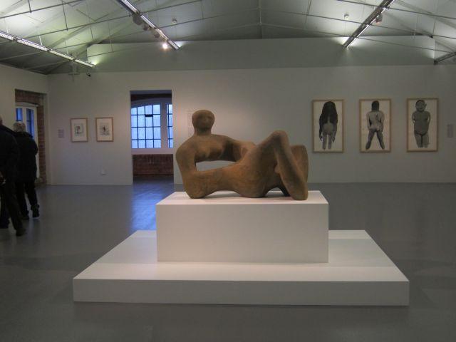 Henry Moore - Recumbent Figure 1938