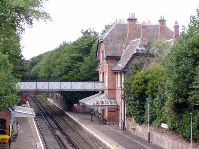 Cressington railway station