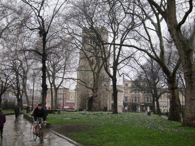 Hackney churchyard 2