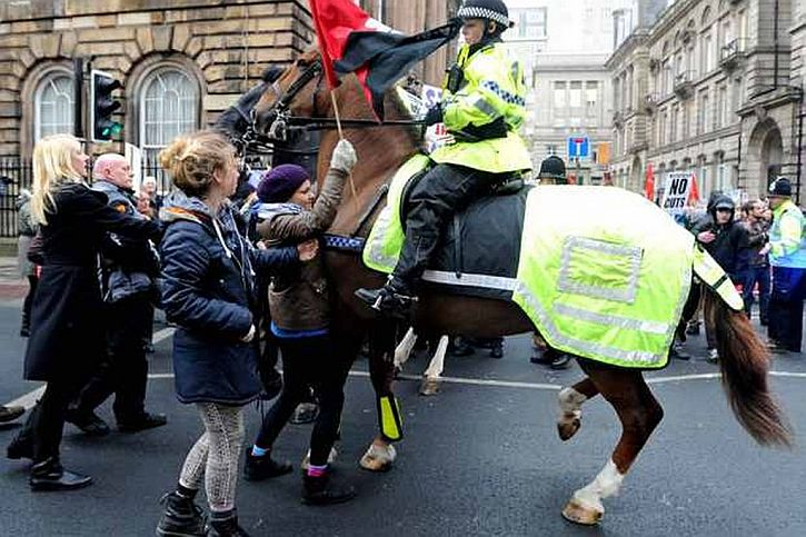 Protesters and police clash outside Liverpool Town Hall (Liverpool Echo)