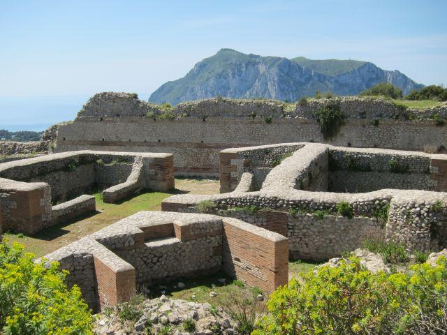 Capri 47b