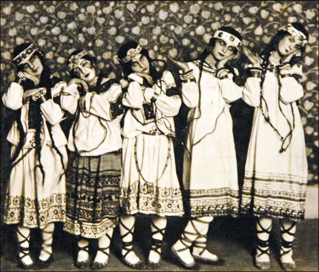 Dancers of the Ballet-Russes