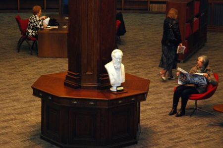 Bust of Picton in the Picton reading room