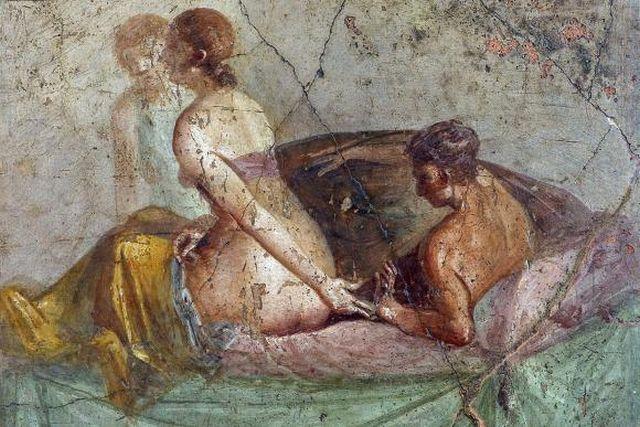 Pompeii exhibition fresco couple making love