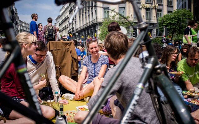 A picnic is held on the streets in the centre of Brussels to 'reclaim the streets and the public place', 9th June 2013. Photo by Kevin Van den Panhuyzen,Demotix
