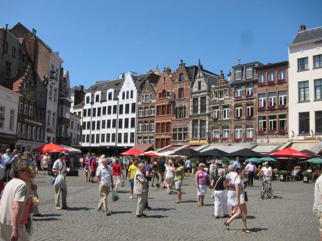 Antwerp square 1
