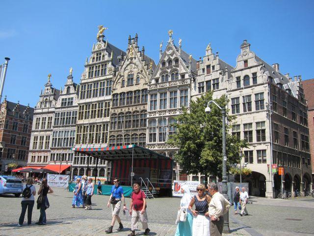 Antwerp square 2