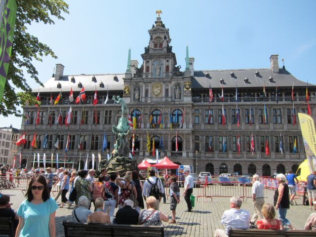 Antwerp square 3