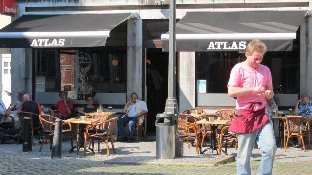 Antwerp square 7