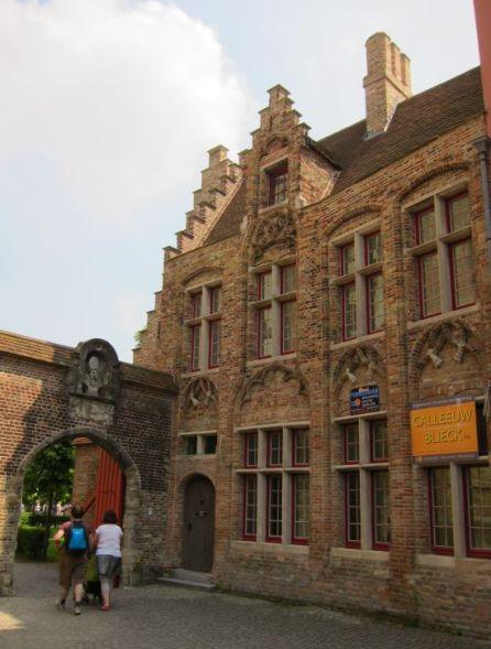 Oud Sint Jan courtyard