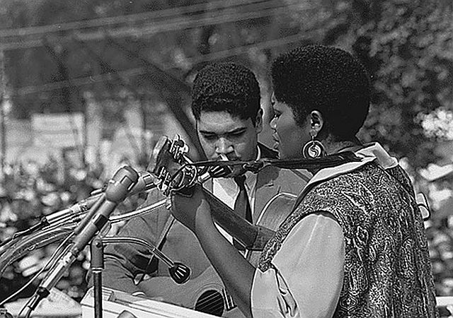 Odetta singing 'I'm On My Way' at the March on Washington