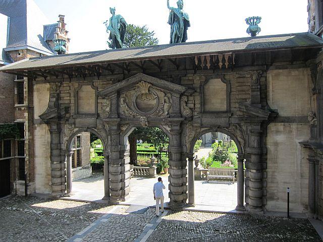 Rubens house portico