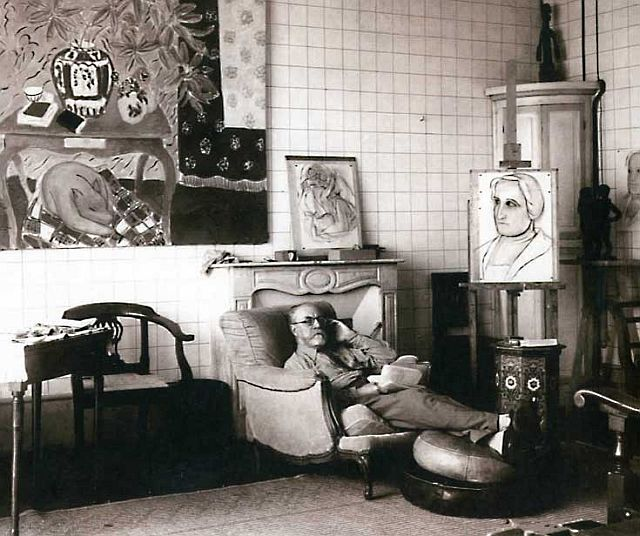 Henri Matisse in his apartment at the Place Charles-Felix, 1934.