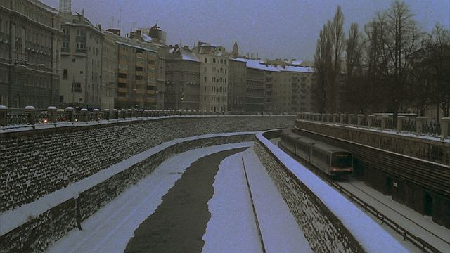 museum-hours-snow-train