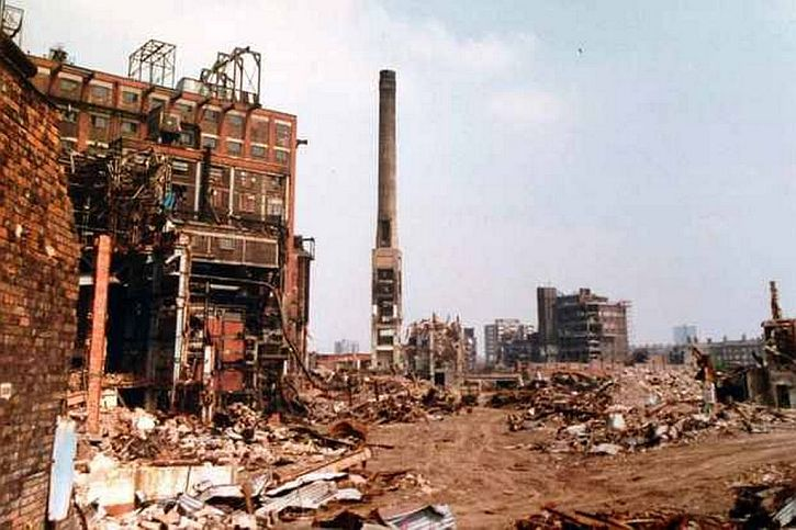 Demolition of Tate & Lyle sugar refinery, Liverpool