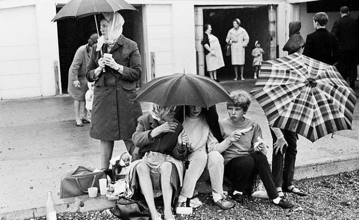 Only in England: photos by Tony Ray-Jones and Martin Parr