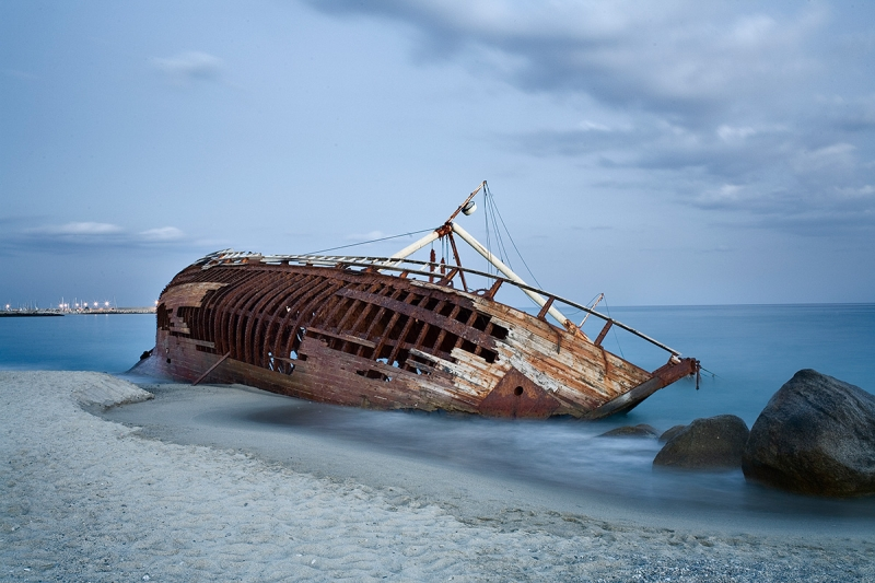Rocella near Riace abandoned sailing ship Kurds ashore 1999