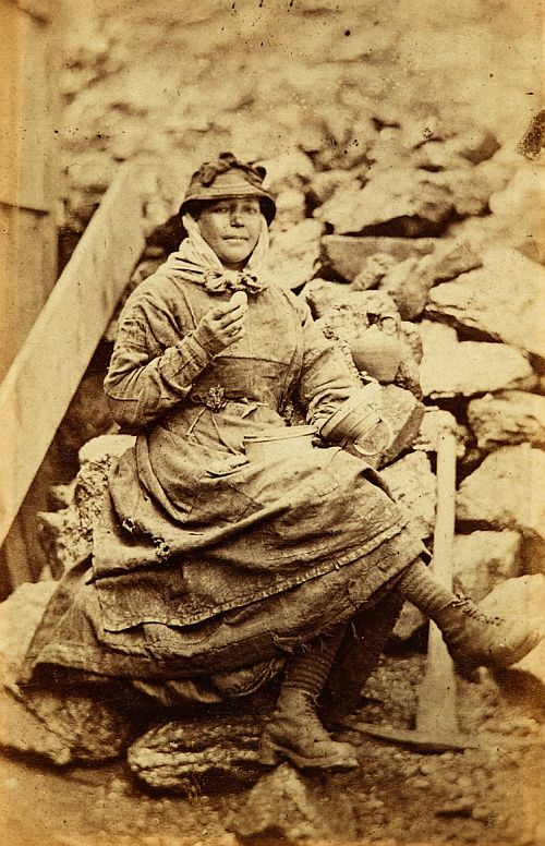 women workers iron works Tredegar 1860s 4