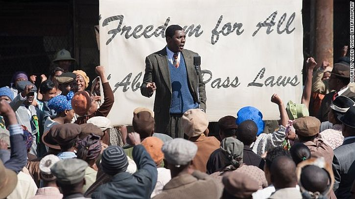 Idris Elba as Nelson Mandela campaigning against the pass laws
