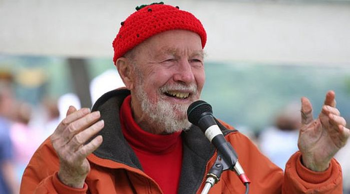 Pete Seeger: he surrounded hate and forced it tosurrender