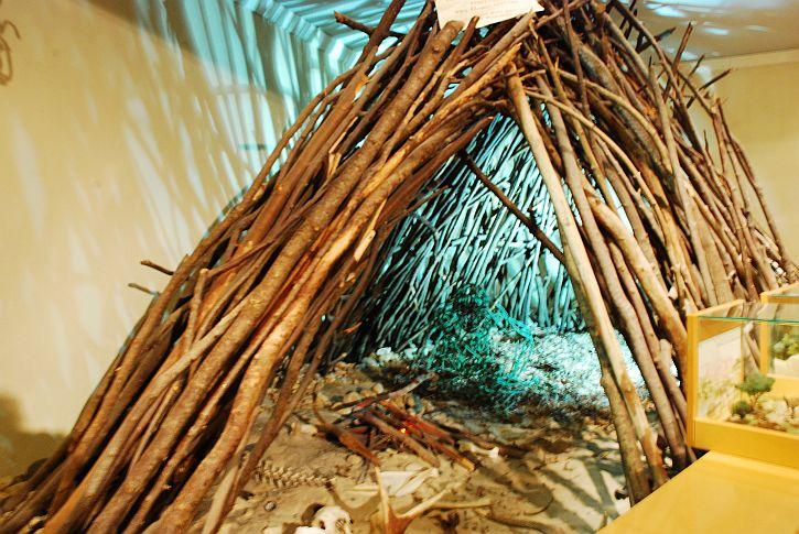 Terra Amata hut