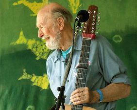 Pete Seeger, photo by Anthony Pepitone (Wikipedia)