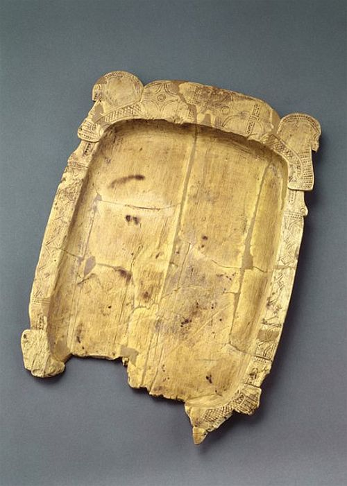 Wooden tray or platter with Scandinavian decoration, 10th century. Berlin