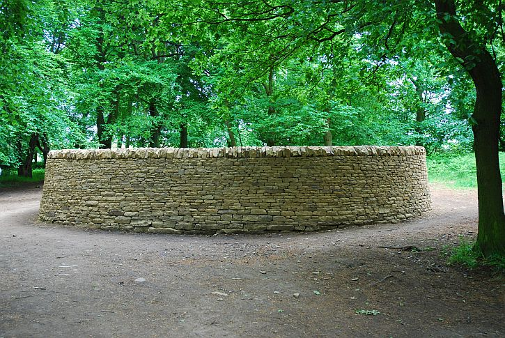 Andy Goldsworthy, Outclosure