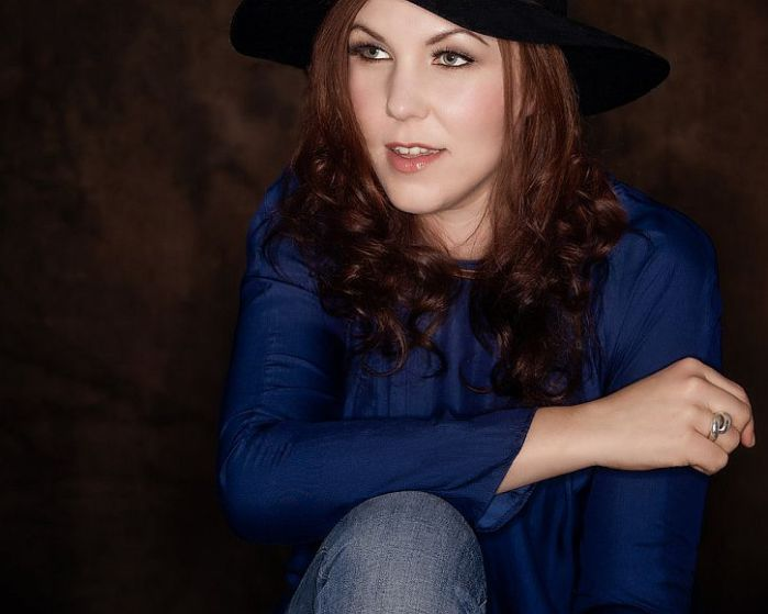 Thea Gilmore at the Epstein: covers and oldfavourites