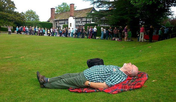 Richard Thompson at Gawsworth Hall: Mock Tudor? No, the realthing