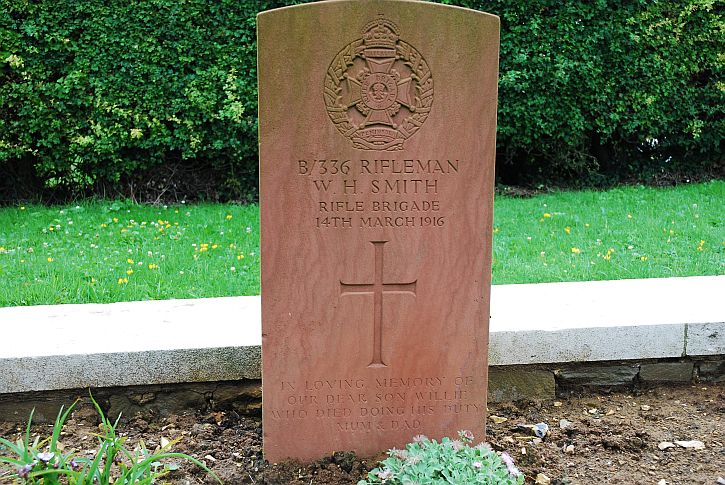 The grave of Rifleman Willie Smith at Bailleulmont