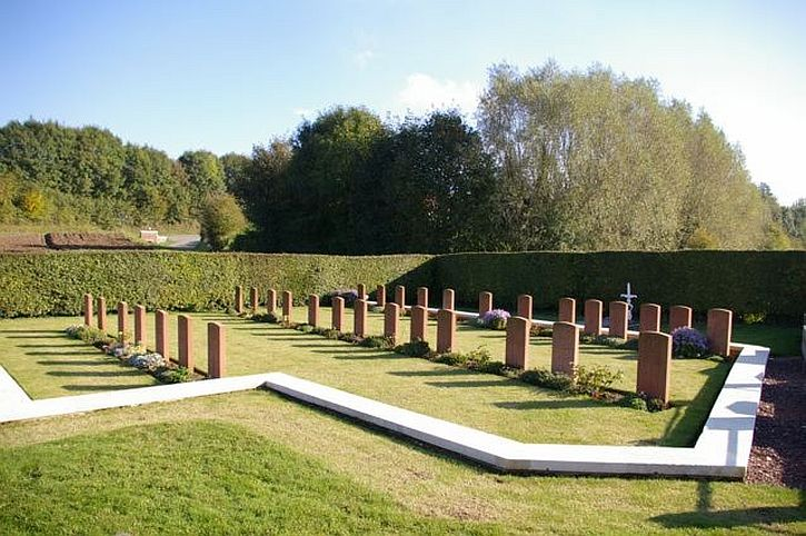 The corner containing soldiers' graves at Bailleulmont