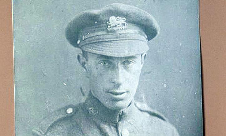 Isaac Rosenberg, possibly taken October 1917