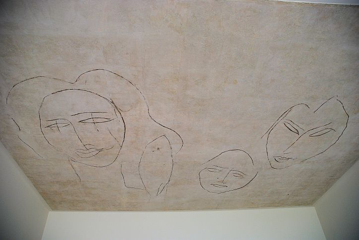 Musee Matisse ceiling portrait of three grandchildren