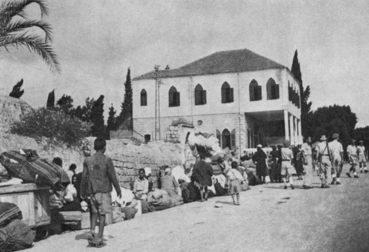 Refugees being removed from Ramla in 1948