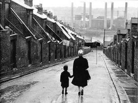 Bert Hardy, Newcastle Street, 1950