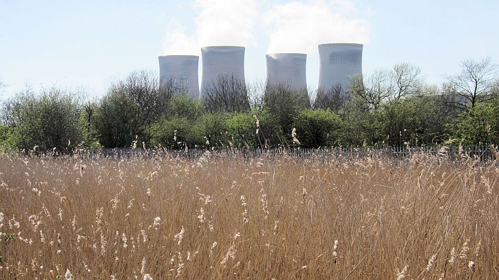 Fiddlers Ferry power station and canal