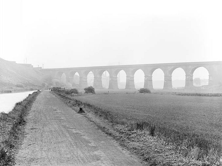 Sankey Viaduct, 1930 (c National Railway Museum)