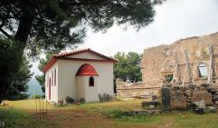 New and old churches of Agios Nikolaos